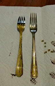 forks with gold paint over the brown for fork plant markers