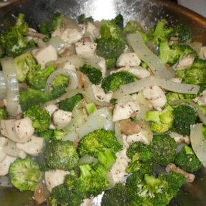 Chicken & Broccoli in White Wine Sauce