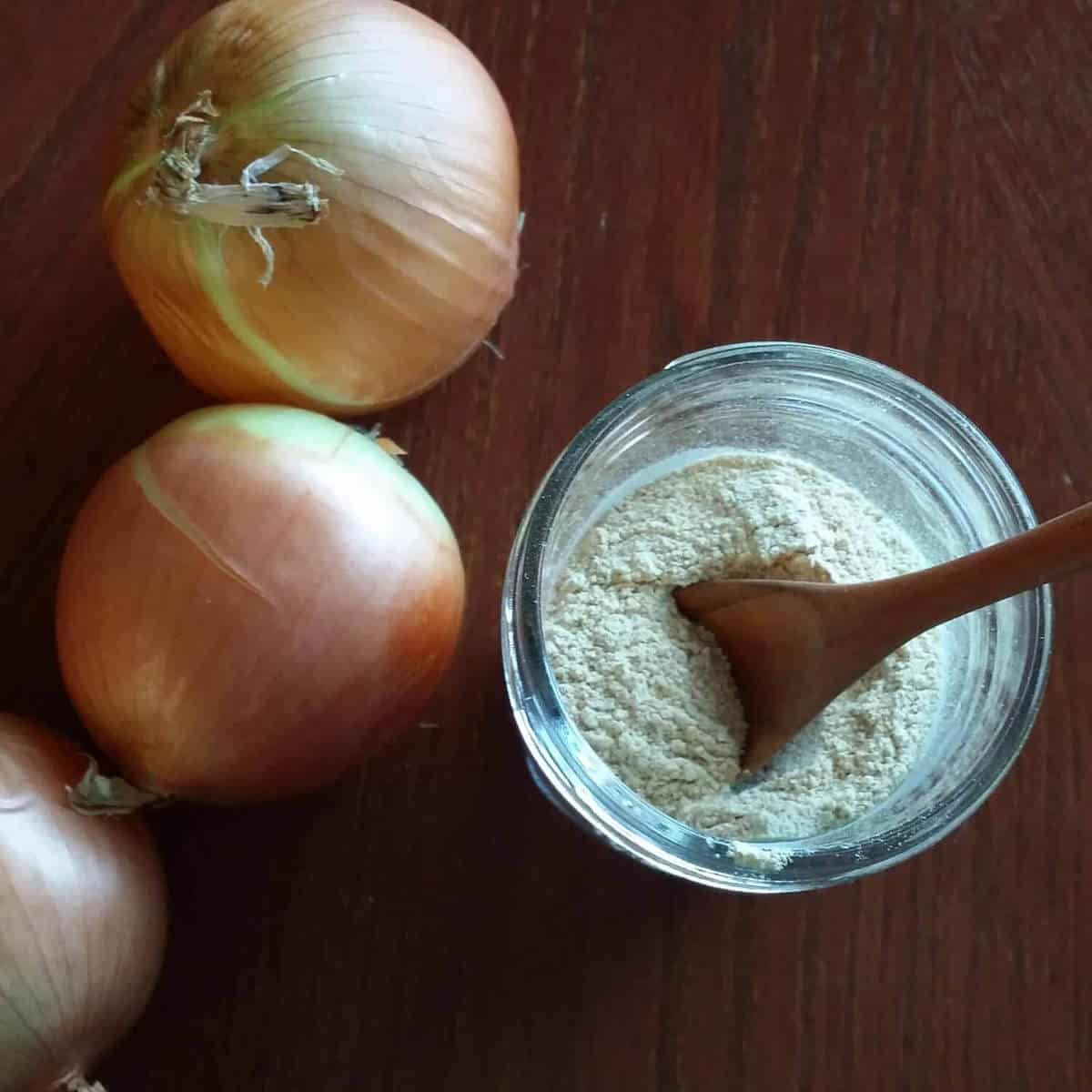 How to Make Easy Homemade Onion Powder