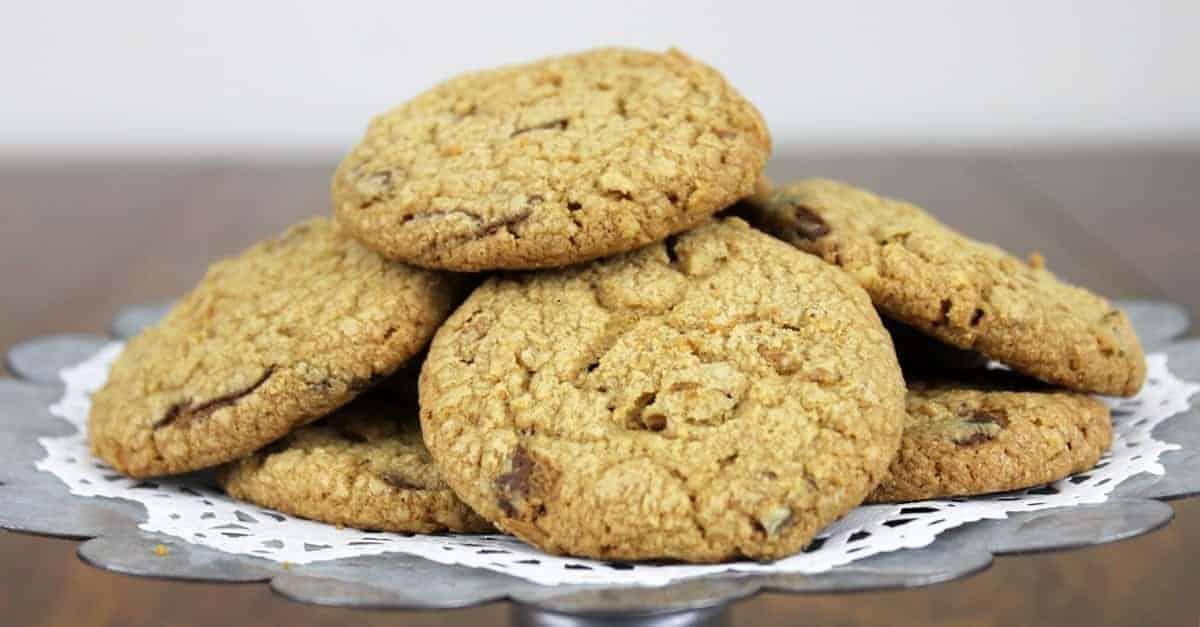 Peppermint Carob Pecan Cookies