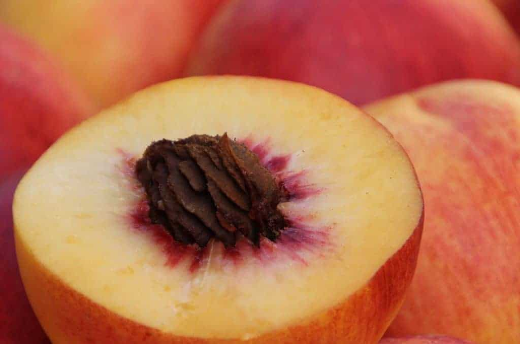 How to Can Peaches: A Beginner's Guide
