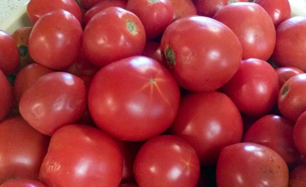 Canning Tomatoes: Two Easy Ways You Can Do It Today